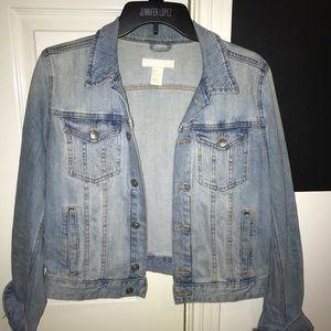 H&M light wash jean jacket